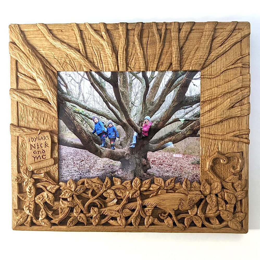 Bespoke-carved-picture-frame-William-Barsley