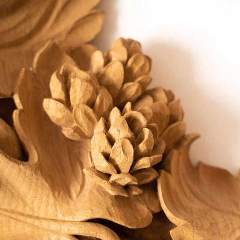 Hops-wreath-bespoke-carving-william-barsley