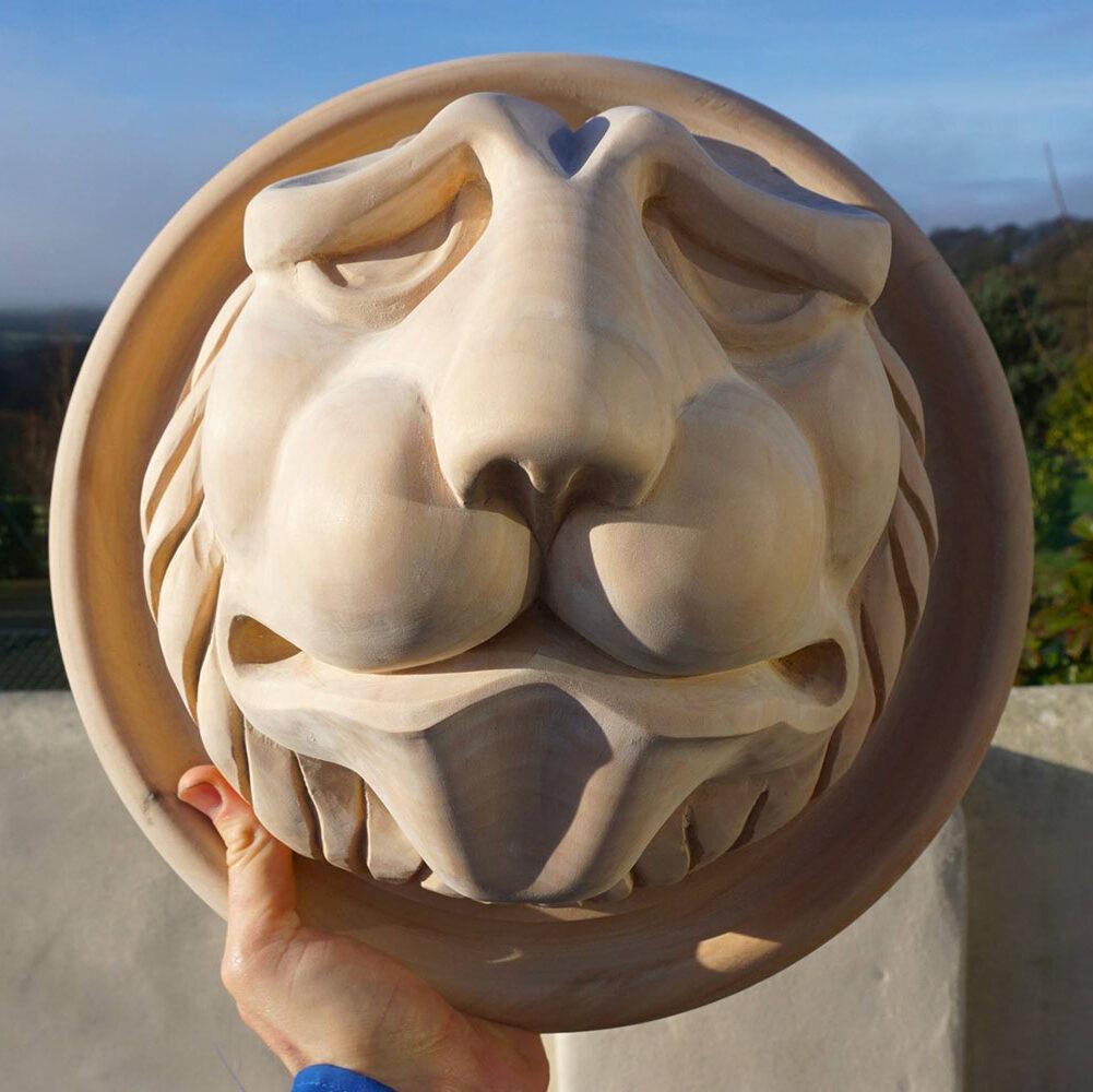 Lion-roundel-historic-house-William-Barsley